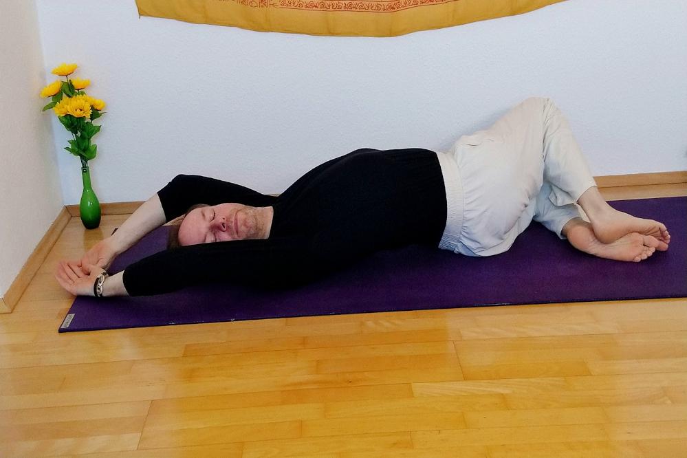 Yin Yoga - in der Übersicht - gedrehte Asana - Korkenzieher